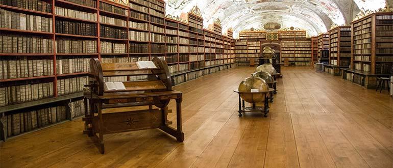 Sapņu tulks bibliotēka