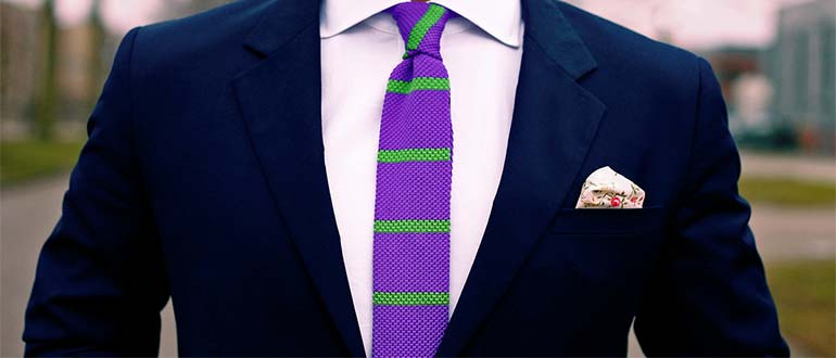 Sapņu tulks kaklasaite