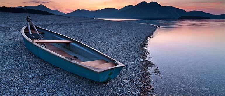 Sapņu tulks laiva