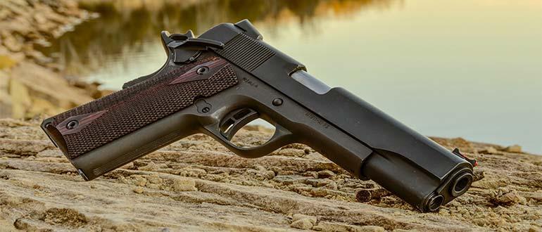 Sapņu tulks pistole