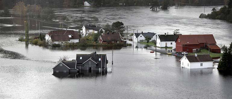 Sapņu tulks plūdi